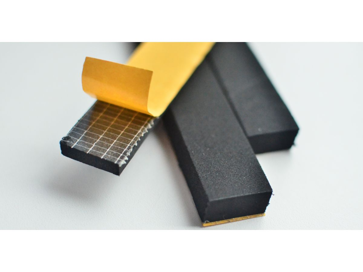 15 x 8mm Self Adhesive Ribbed Neoprene Sponge Strip Bonnet Boot Shut Gasket